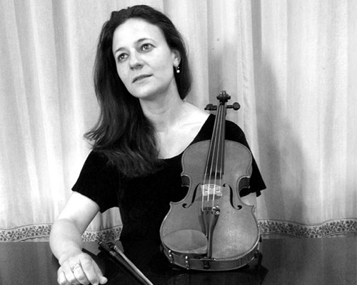 Rosewood String Quartet players, Catherine Hayek, violinist